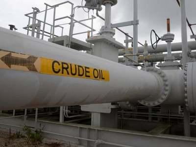 US crude stocks fell last week