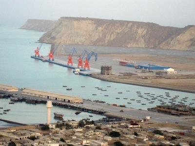 Balochistan govt halts fencing of Gwadar city after criticism from locals