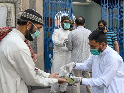 Pakistan reports 2,184 new coronavirus cases, 82 deaths in 24 hours