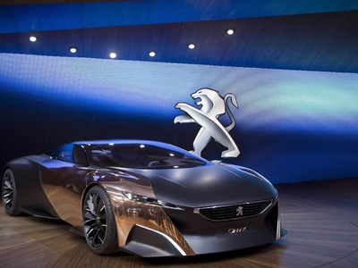 Peugeot shareholders approve autos mega-merger with Fiat