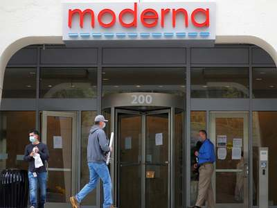 Moderna raises 2021 vaccine output forecast to at least 600mn doses