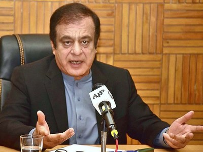 Govt accuses PML-N, PPP of getting donations from 'criminals'