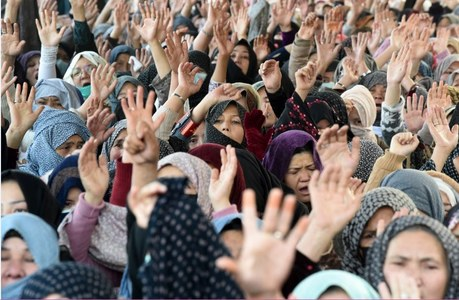 Mach massacre: Hazaras refuse to call off protest until negotiations with PM