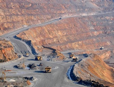 Chile's Codelco copper output up, largest private mines down in November