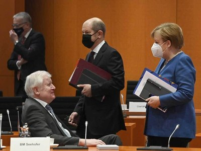 Germany to require women on large firms' boards