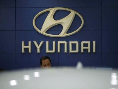 Hyundai in early, unspecified talks with Apple; broadcaster says discussing electric vehicles