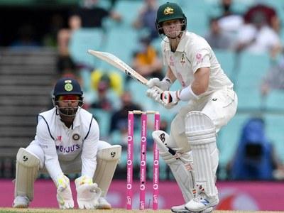 Smith smacks 27th century as India trail Australia by 312
