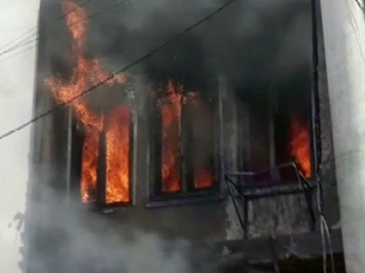 Fire at factory in Karachi's SITE area injures multiple people