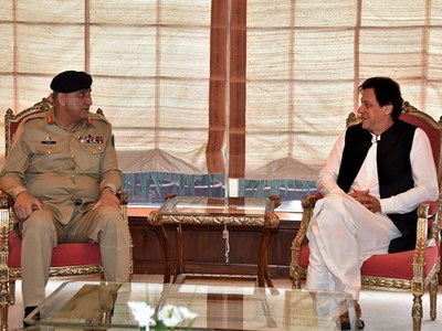 PM Imran, COAS discuss security situation, LoC violations