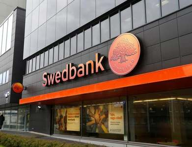 Sweden's Swedbank Robur joins growing investor oil and gas exodus