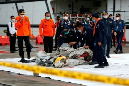 Indonesia to resume search for victims, black box of crashed Sriwijaya jet