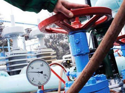 LNG and the private sector