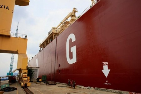 Record LNG prices push Pakistan, Bangladesh to ration gas, seek other fuels