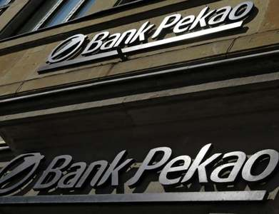 Poland's Pekao aiming for higher 2021 profit despite low rates