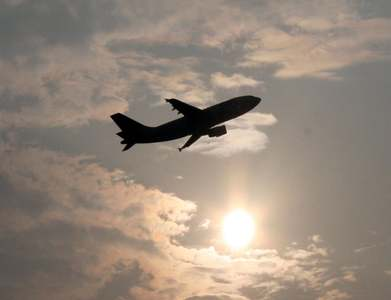 Airlines cull South Africa routes as virus flares
