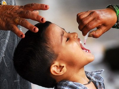 District admin officers inspect anti-polio campaign