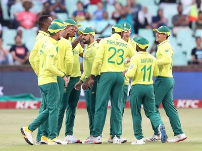 South Africa arrive for first tour in 14 years