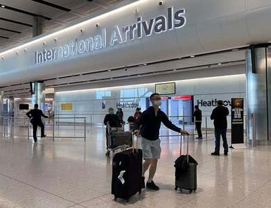 UK airports call for 'urgent' govt support after travel rules tightened