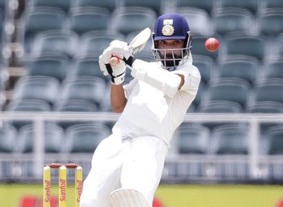 Australia claim vital wicket of Rahane just before lunch