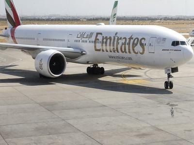 Dubai airline Emirates offers Pfizer, Sinopharm vaccines to staff