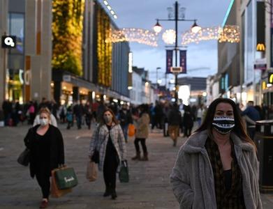 UK shopper numbers down 10.9pc last week as lockdowns bite