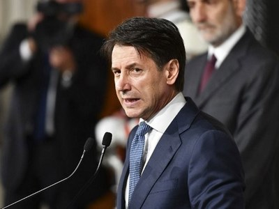 PM urges pro-EU lawmakers to back Italy's fragile govt