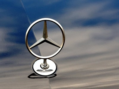 Mercedes unveils electric compact SUV in bid to outdo Tesla