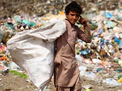 Senate panel informed: 80m people in Pakistan living in poverty