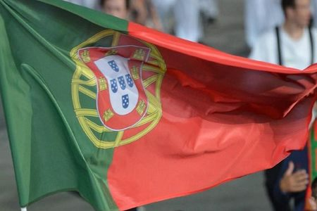 Days before Portugal's election, quarantined voters cast ballots at home