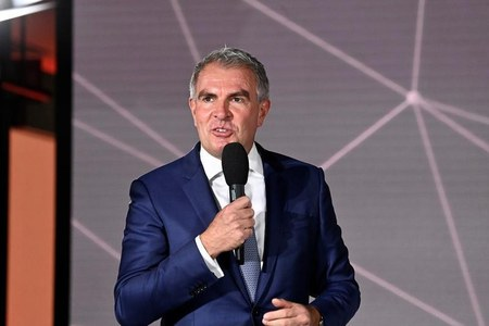 Lufthansa has cut losses to a million euros every two hours, says CEO