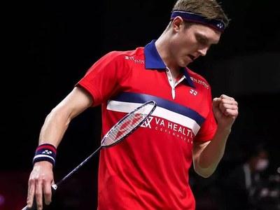 Marin and Axelsen claim back-to-back badminton titles in Bangkok
