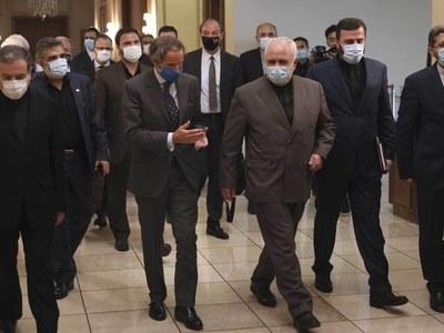 Iran says no intention to expel IAEA inspectors