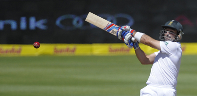 Elgar steadies South Africa after early wickets against Pakistan