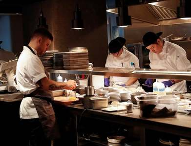 Expected rise in 2021 US restaurant sales not enough to offset pandemic losses: report