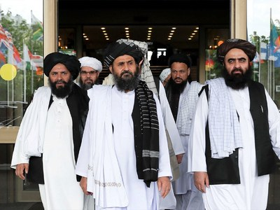 Afghan government envoys accuse Taliban of snubbing talks