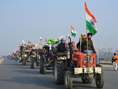 Delhi clashes between farmers and police overshadow army parade
