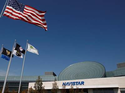 Navistar to collaborate with GM, others on hydrogen fuel-cell commercial trucks