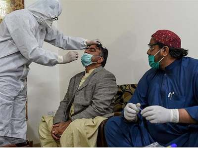 Pakistan registers 400,000 health workers for corona vaccination: SAPM