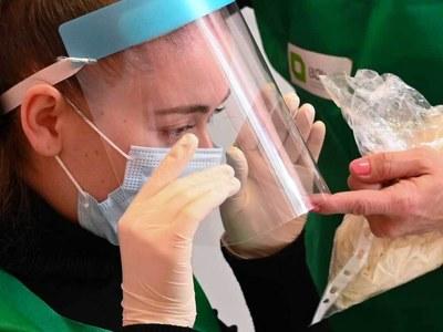 Coronavirus toll at 1100 GMT Sunday