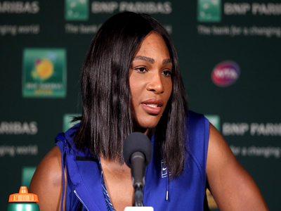 Serena 'in the zone' with straight-sets win in Melbourne