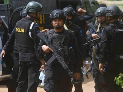 Indonesia detains British woman on terror suspect list