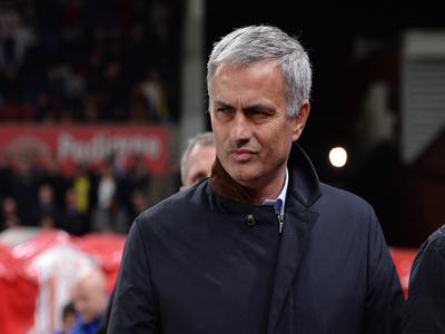 Chelsea pile more misery on Mourinho's Tottenham