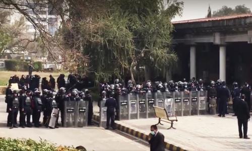 Vandalism at IHC: Islamabad police book 32 lawyers