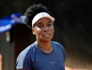 Venus makes painful exit from Australian Open after rolling ankle