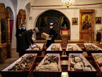 200 years after Napoleon defeat, Russia and France bury their dead