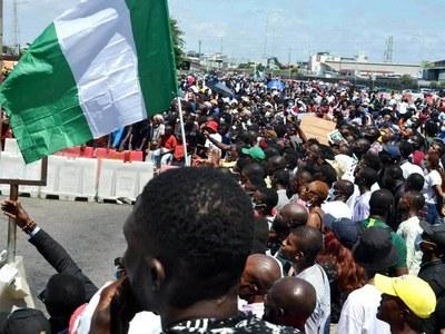 Nigeria police arrest protesters at symbolic Lagos tollgate