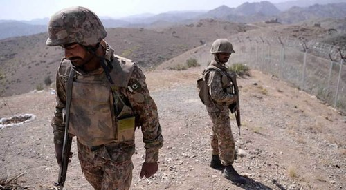 Soldier martyred in terrorists fire raid on FC post in Balochistan
