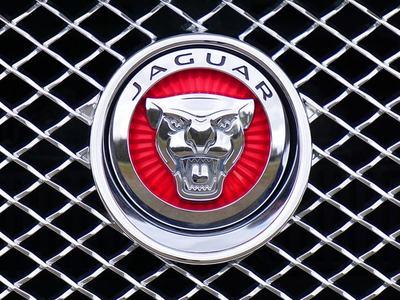 Jaguar Land Rover unveils plans to go 100% electric