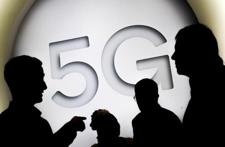 5G phones may interfere with aircraft: French regulator