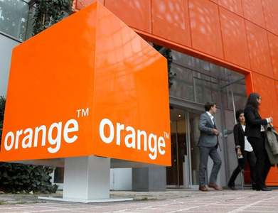 France's Orange launches towers company TOTEM after profit slips